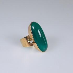 Kultasormus, Sormus vihreällä kivellä, kivisormus